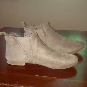 Shoes - Look alike Chelsea boots from Rue21 size 10